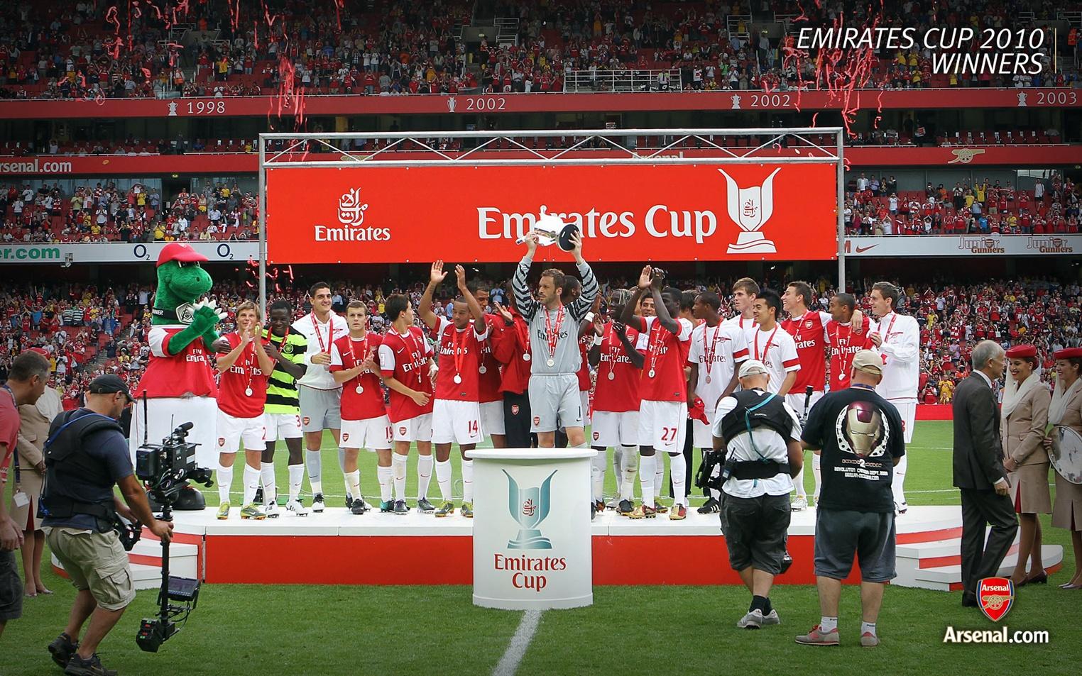 arsenal football club Arranco el año deportivo para el futsal masculino de arsenal fc enfrentando al club defensores de cervantes en el polideportivo.