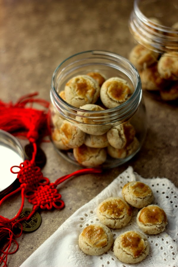 chinese walnut cookies ( 核桃酥 ) hup toh soh