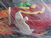 Tarta de Halloween: detalle fantasmas
