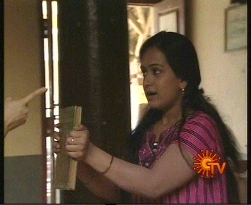 Hot Clips Sun Tv Serial Actress Back Shaking And Panty Line Visible