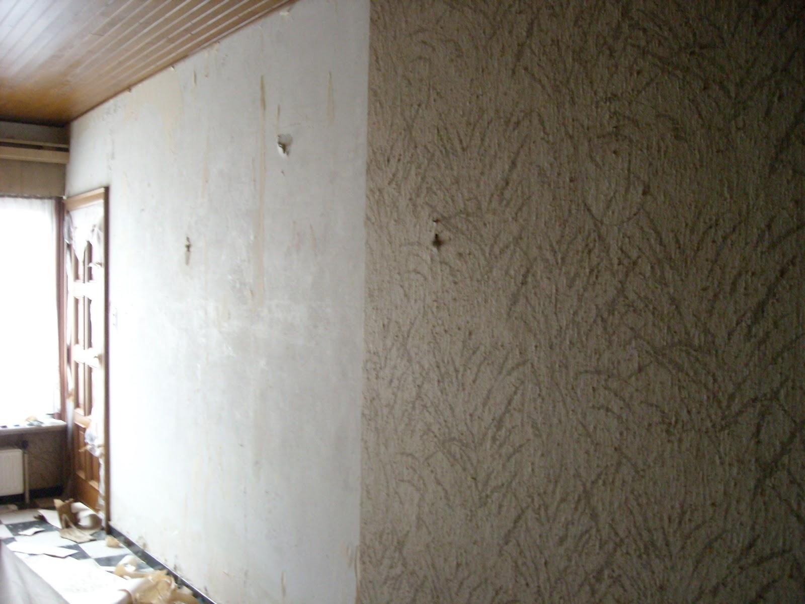 Verbouwing in burst: verwijderen behang woonkamer