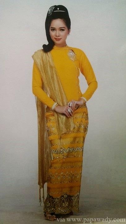 Moe Yu San in Random Traditional Costume Fashion