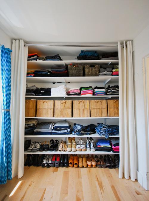O nosso primeiro ap um closet provis rio - Cortinas para armarios sin puertas ...