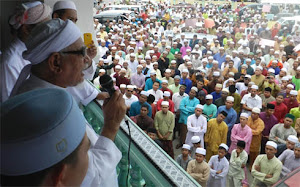 DEMO BANTAH FILEM HINA NABI - INNOSENCE OF MUSLIMS