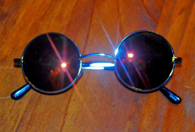 http://www.shopzerouv.com/collections/womens-sunglasses-1/products/retro-lennon-style-round-circle-metal-mirror-lens-sunglasses-1408