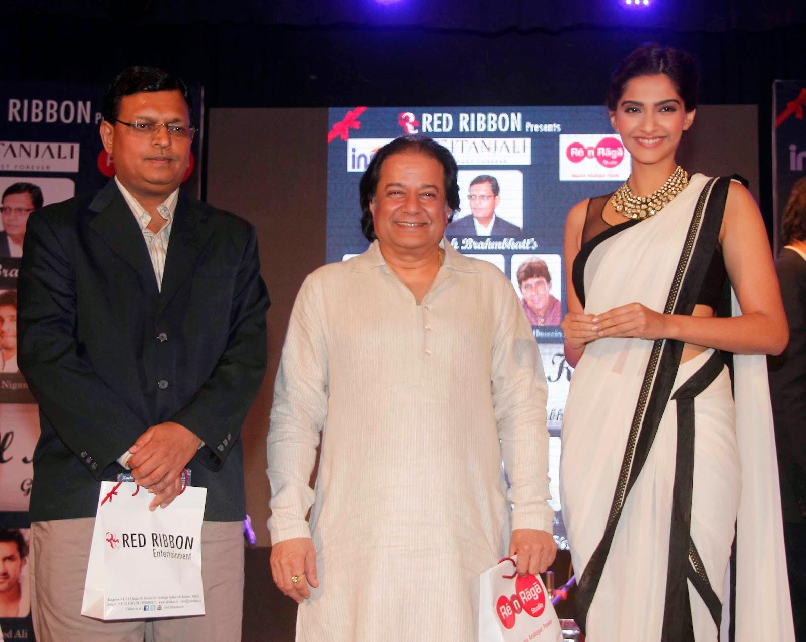 Actress Sonam Kapoor unveils 'Kuch Dil Ne Kaha' Ghazal album