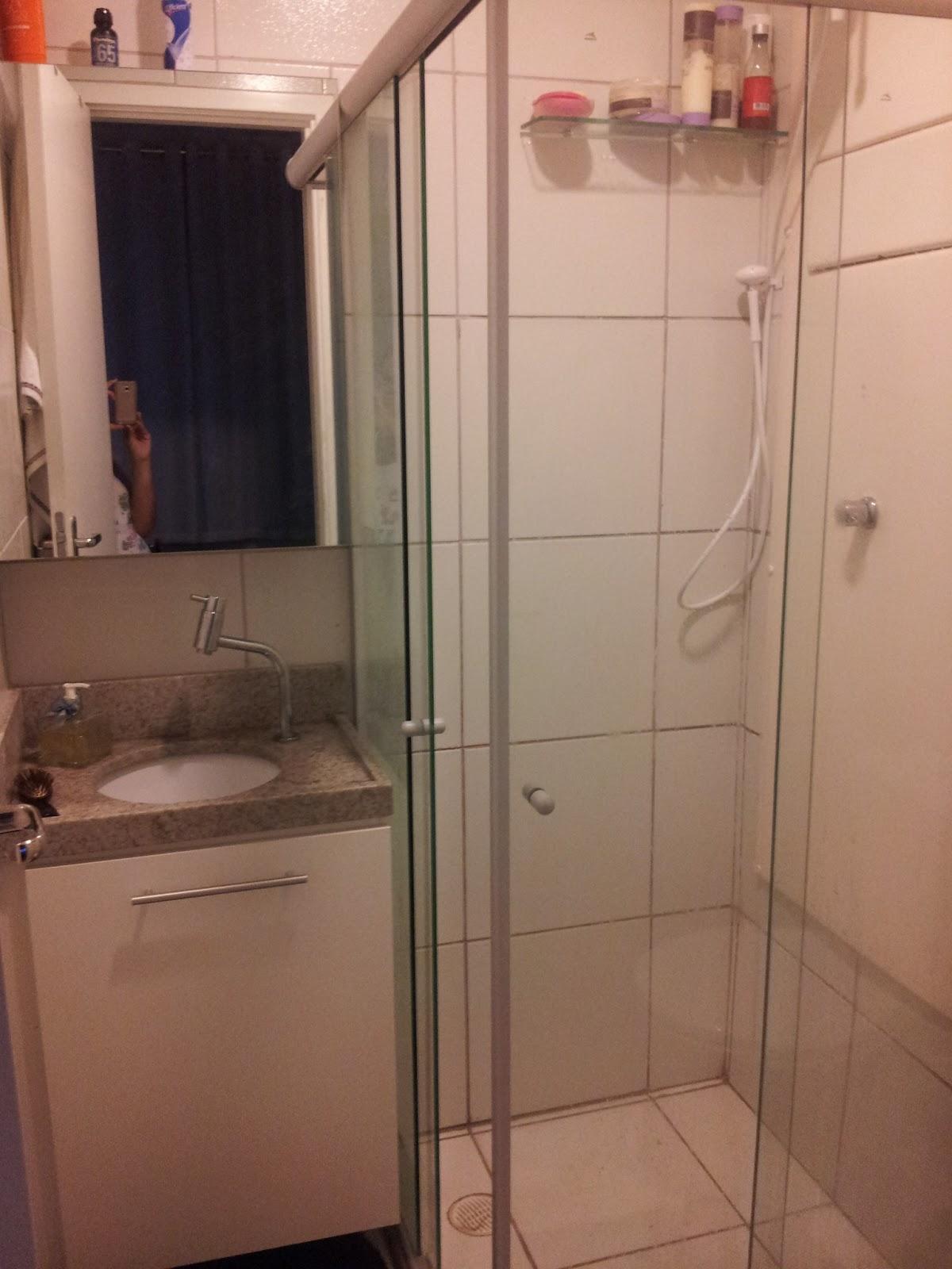 Os móveis abertos A foto ficou um pouco embassada foi mal aê! #AD3E1E 1200x1600 Antes E Depois De Um Banheiro