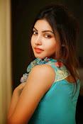 Komal Jha Glamorous Portfolio Stills-thumbnail-20