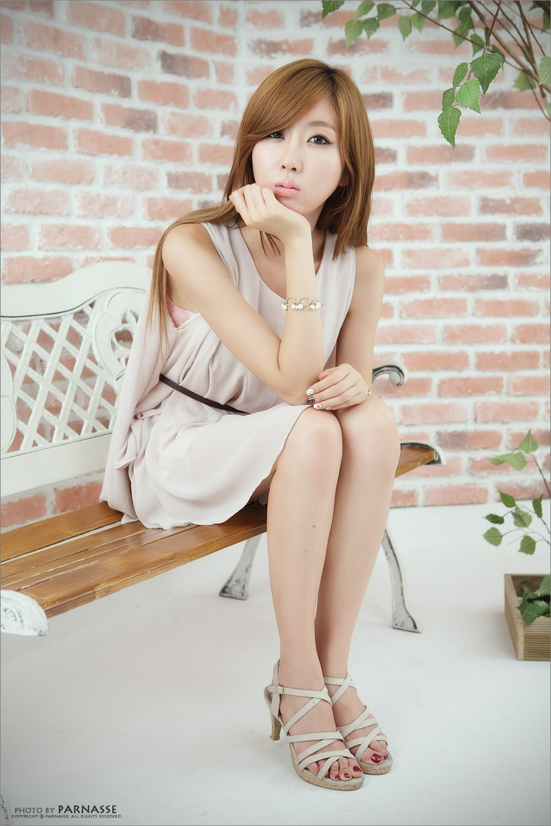 Cute asian girls choi byul i korean girls models with simple dress