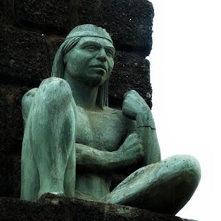 Monumento ao Índio Guarani na entrada da cidade de Santo Tomé, na Argentina.