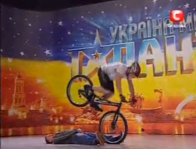 dangerous and risky bike rider, bicycle tricks