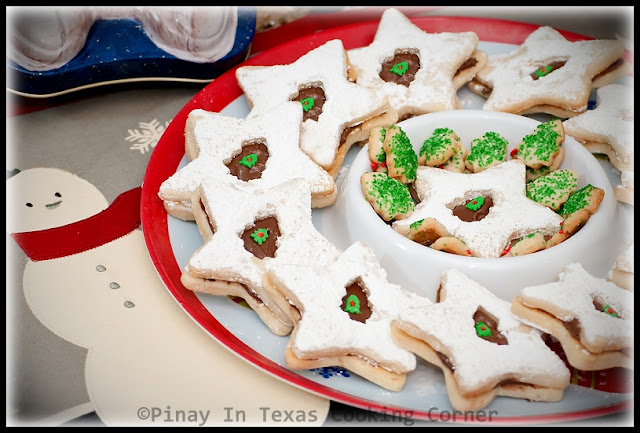... Corner: Holiday Shortbread Cookie Sandwiches with Nutella Filling