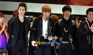 Super Junior wins GDA 2012 Osaka 2