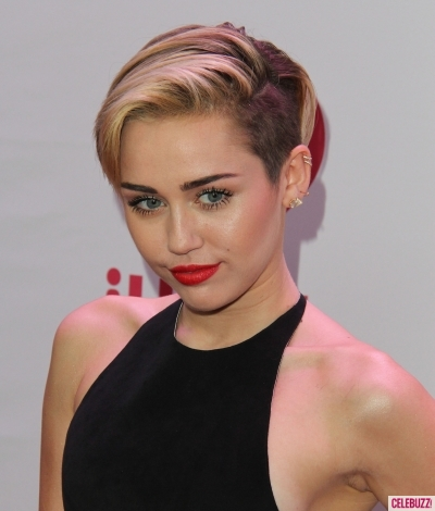 Zeeshan News: Miley Cyrus Personal Profile HD Wallpaper