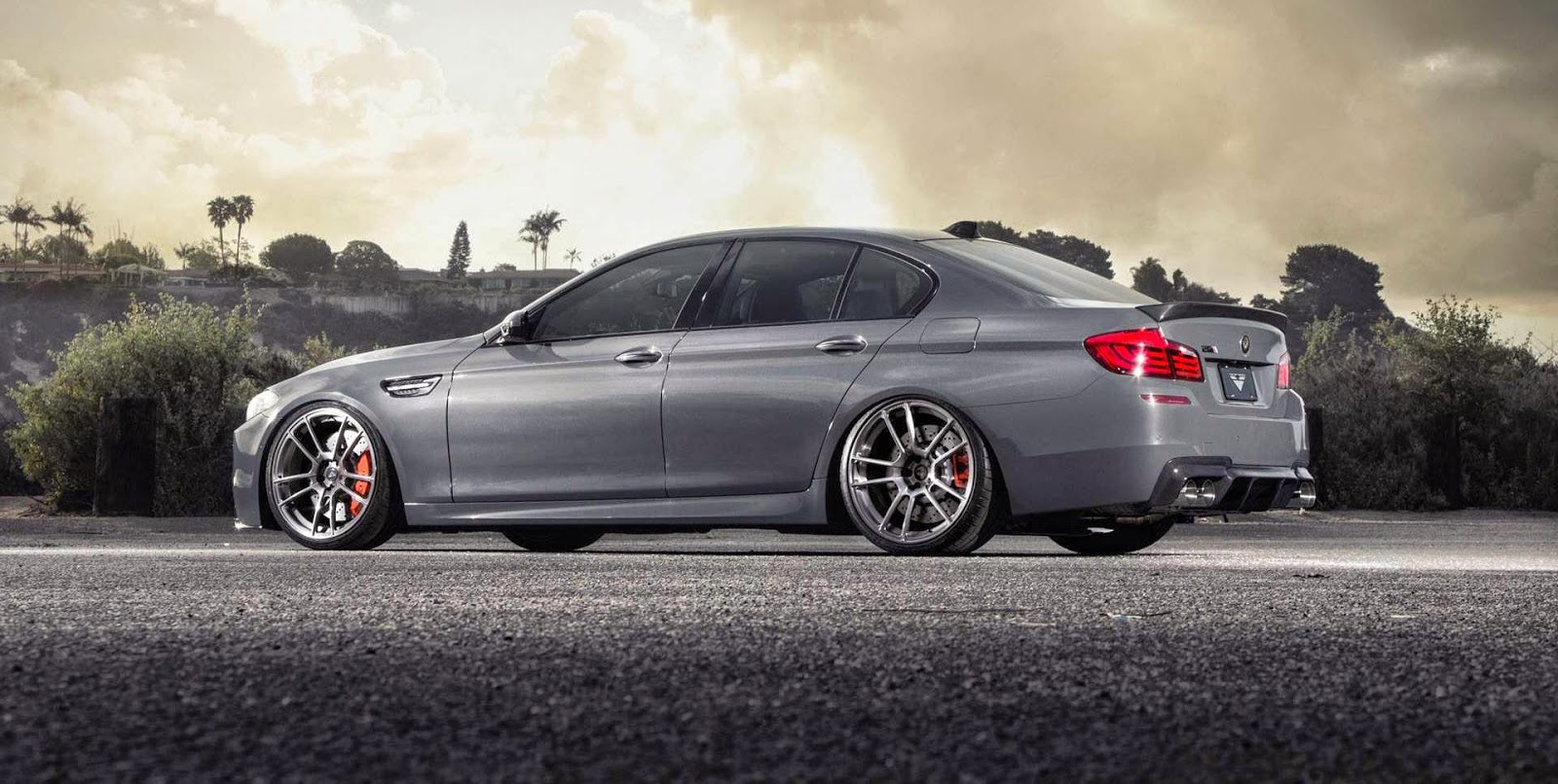 Cool pictures of car 2014 BMW M5 Wallpaper