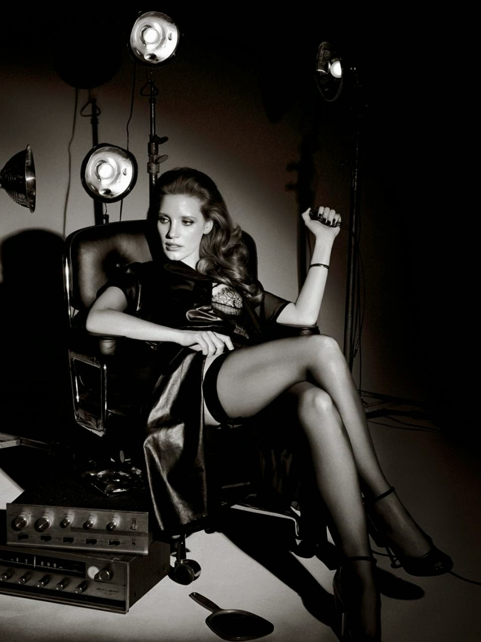 Jessica Chastain hot celeb legs