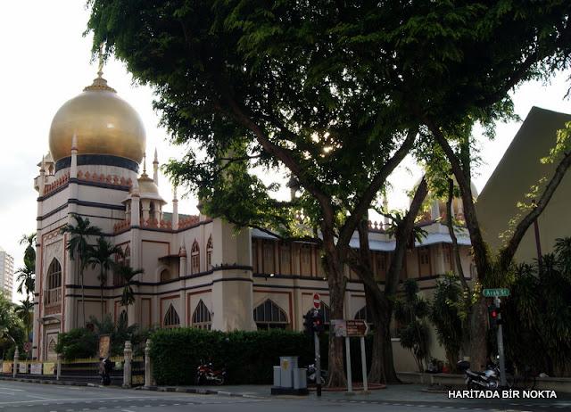 Singapur Sultan Camisi