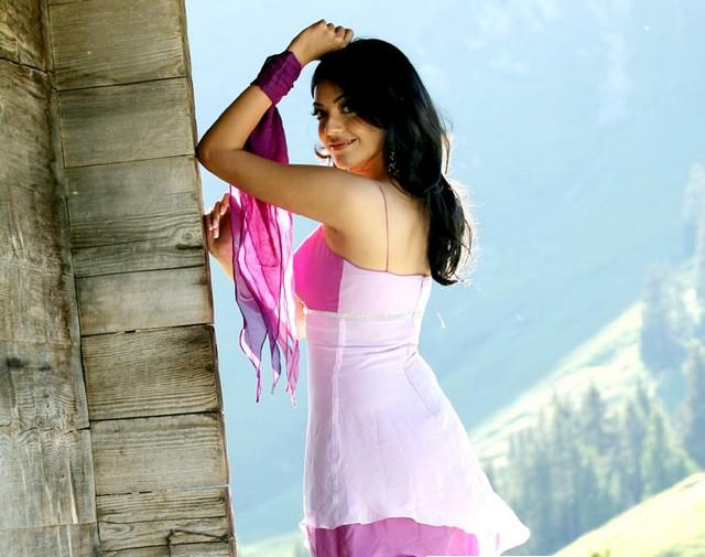 Bollywood Actress Kajal Agarwal Wallpaper