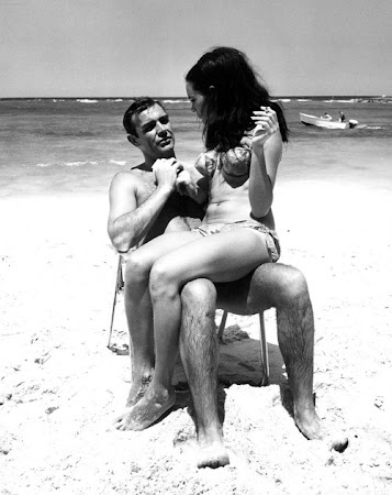 Claudine Auger y Sean Connery