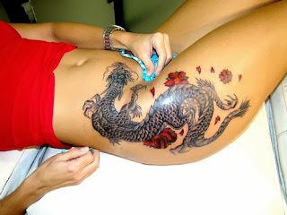 Fotos e imagens de Tatuagens de Dragão