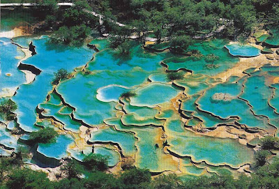 As incríveis piscinas de Huanglong – China