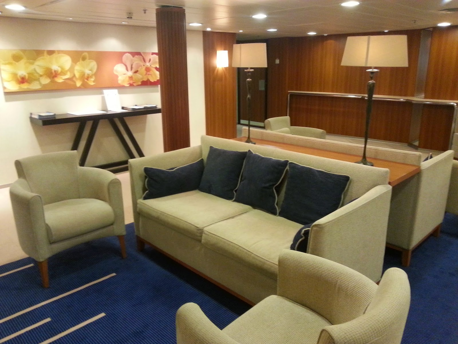 Cruise Ship Saga Pearl II - Reception Area