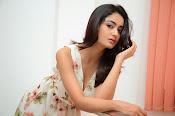 Tridha glamorous photo shoot-thumbnail-3