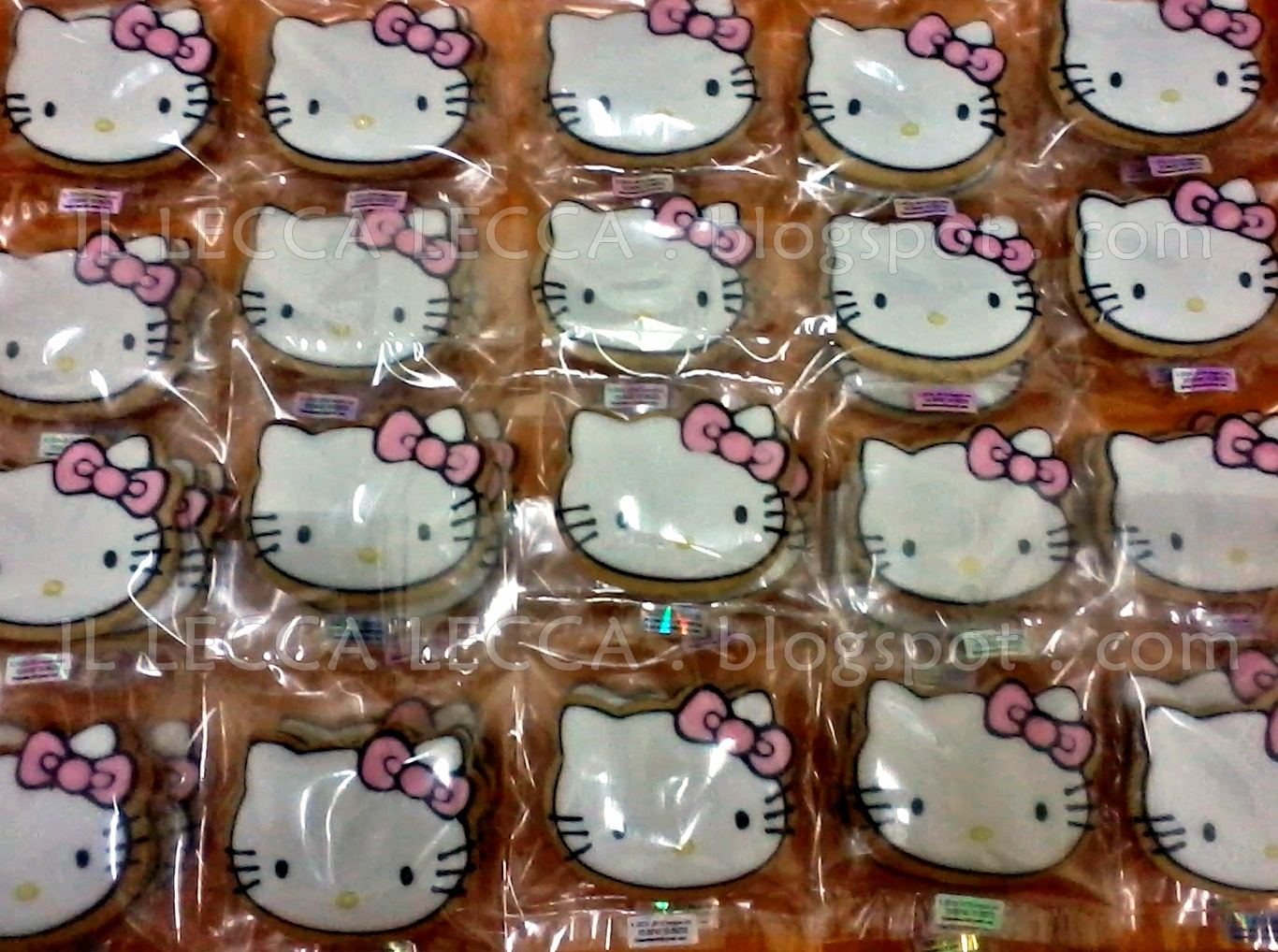 hello kitty fancy cookies for birthday
