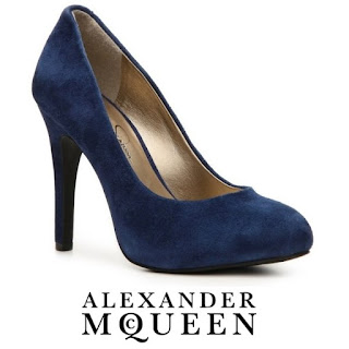 Kate Middleton ALEXANDER MCQUEEN Suede Pumps  STUART WEİTZMAN Muse Clutch