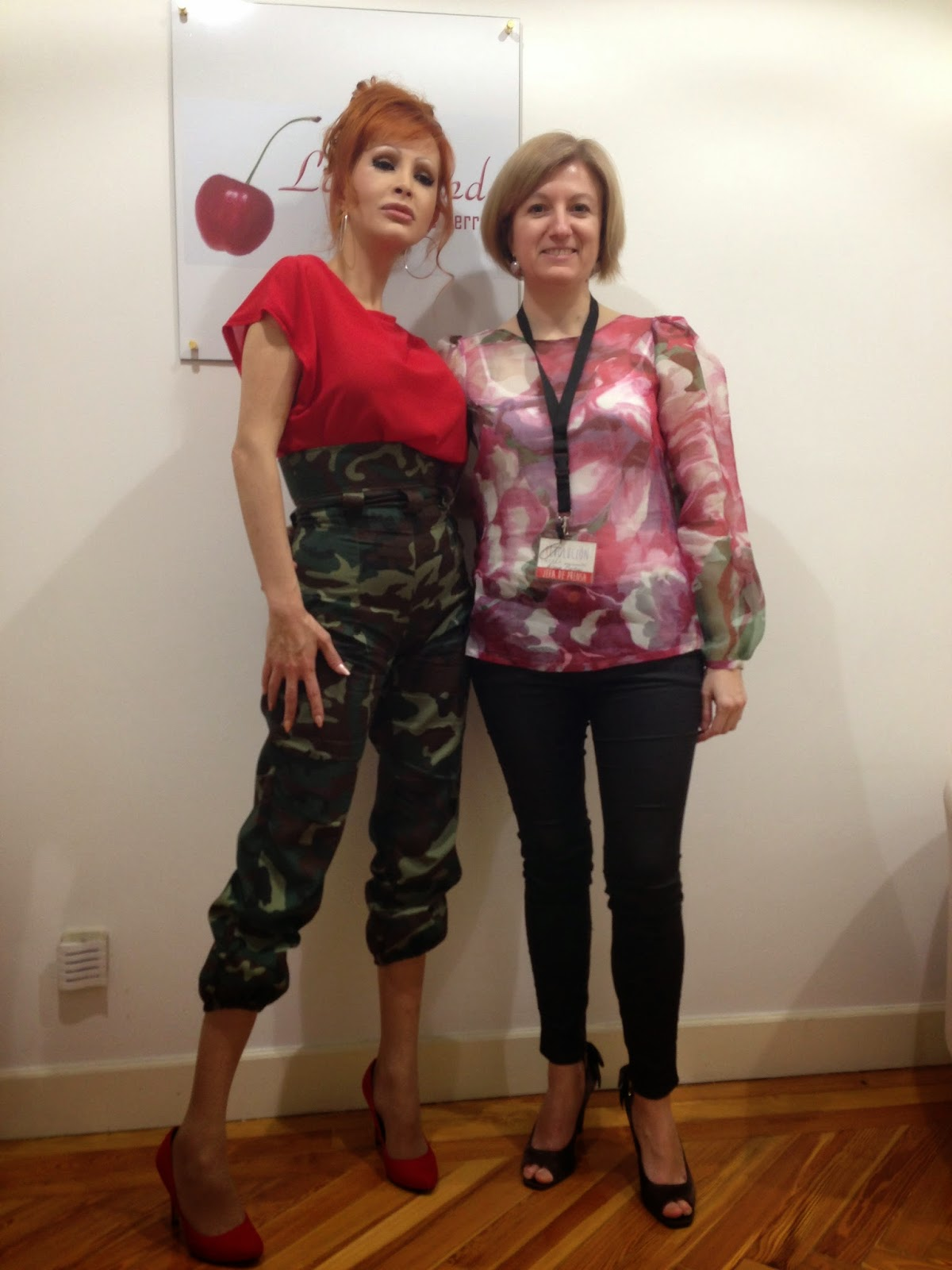 Con Yurena y vestidas de Alalá