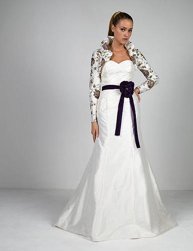 Modern Celebrity Wedding Dresses : Celebrity gossip luxury long sleeves wedding dresses