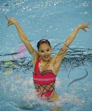 Tự xoay vòng tròn dưới nước - Bài tập lạ nhưng giảm cân rất hiệu quả