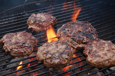 Grilling the Perfect Burgers | www.kettlercuisine.com