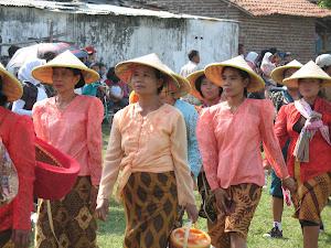 Barisan Wanita Desa Mindugading