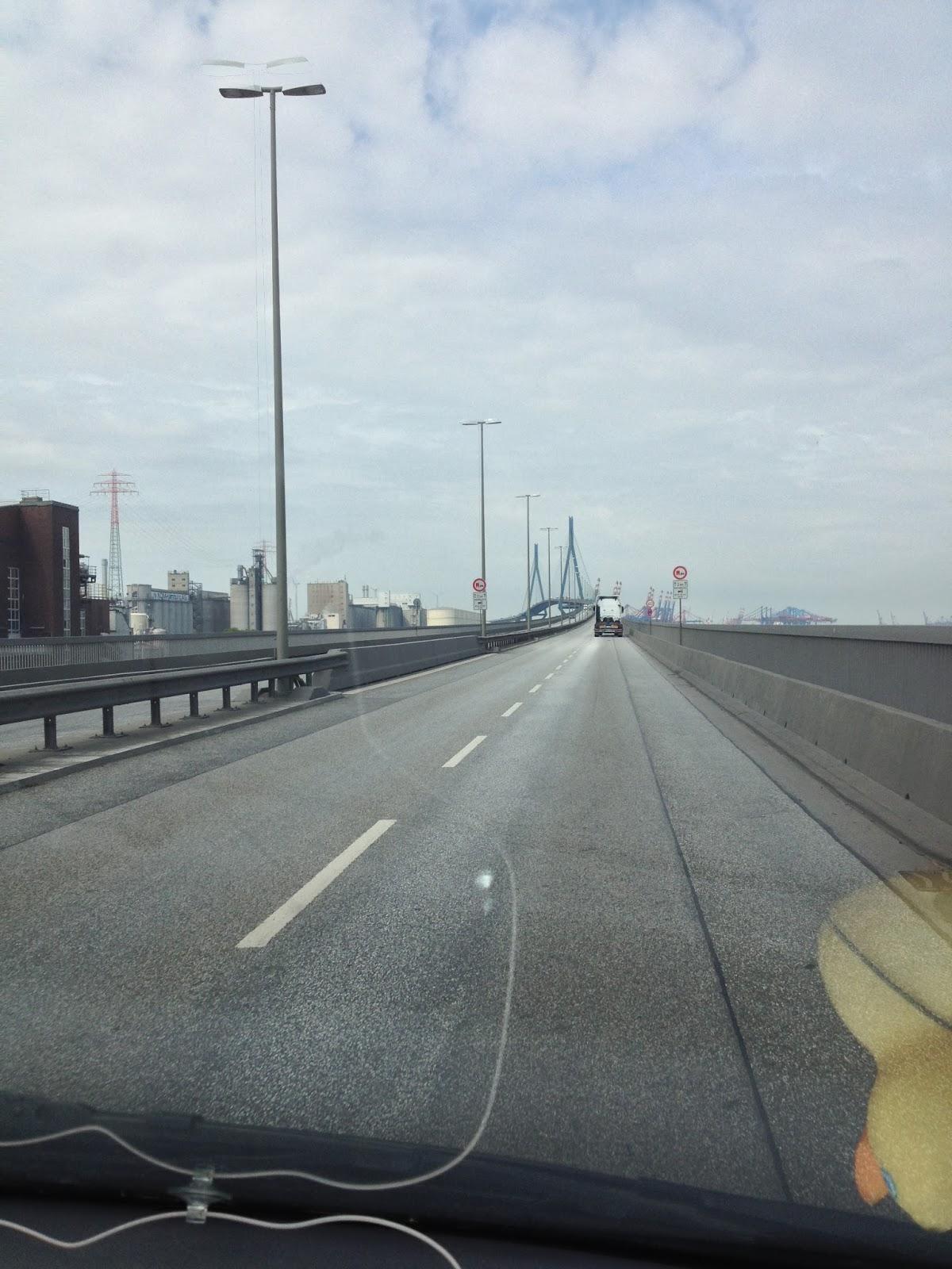 Fahrt auf die Köhlbrandbrücke