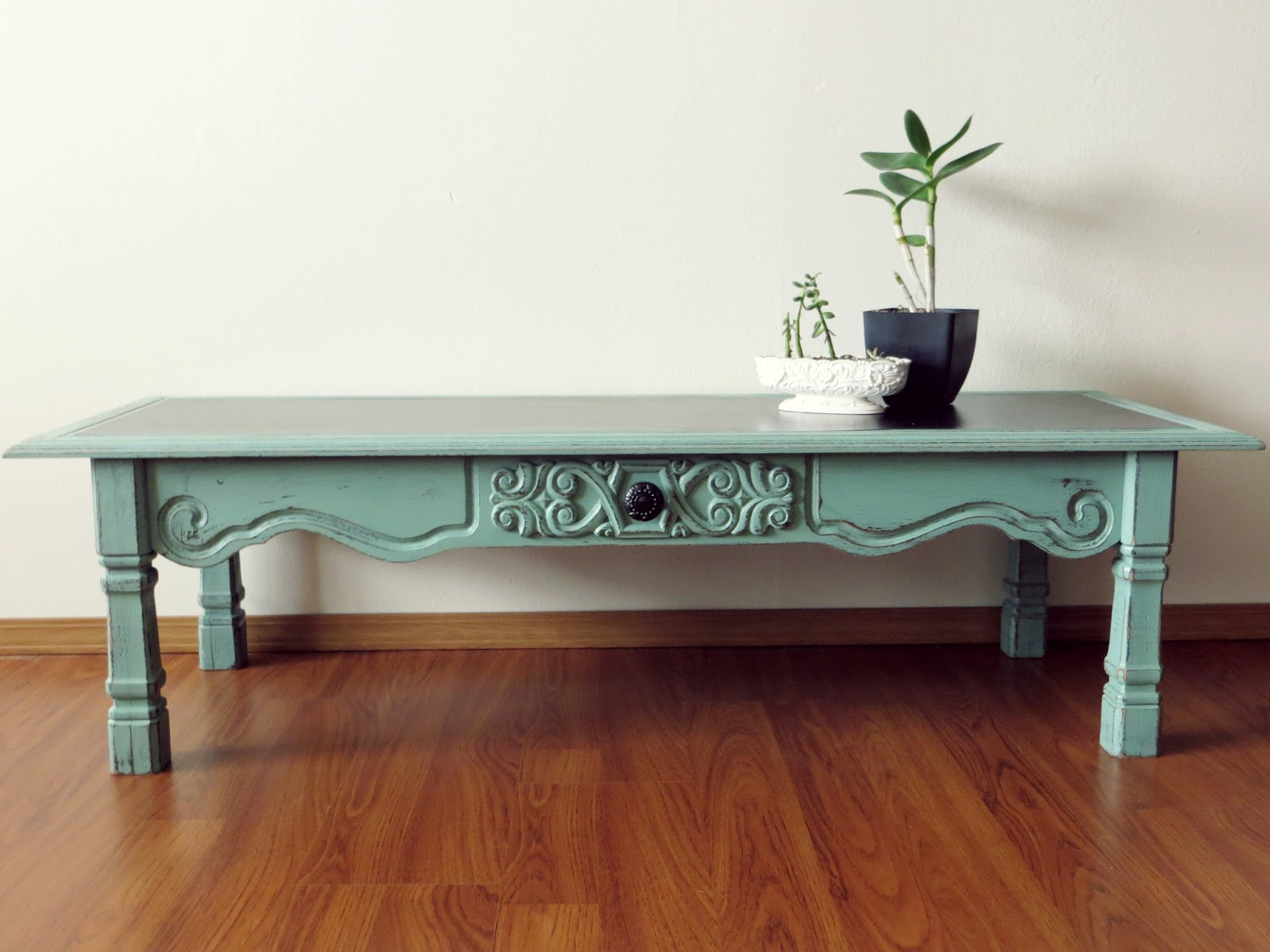 Namely Original Distressed Coffee Table Tutorial