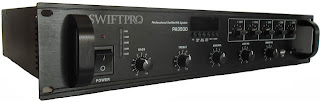 SWIFTPRO Amplifier PA3500 - Âm ly dùng trong nhà Yến Tổng công suất 350W, có chức năng tự động tùy chỉnh công suất theo số lượng kênh sử dụng. (ví dụ:  nếu sử dụng 5 kênh,công suất mỗi kênh là 70W; nếu sử dụng 2 kênh, công suất mỗi kênh là 175W...) Thích hợp cho hệ thống loa ngoài, cho âm thanh sắc nét, độ nhạy bén cao. Thông số kỹ thuật: 5 kênh với nút điều chỉnh âm thanh riêng biệt. Tích hợp đầu đọc mp3, USB, thẻ SD. Có đèn báo hiệu khi quá tải. Quạt làm mát tự động. Công suất: 350W Tần số: 100Hz- 16KHz