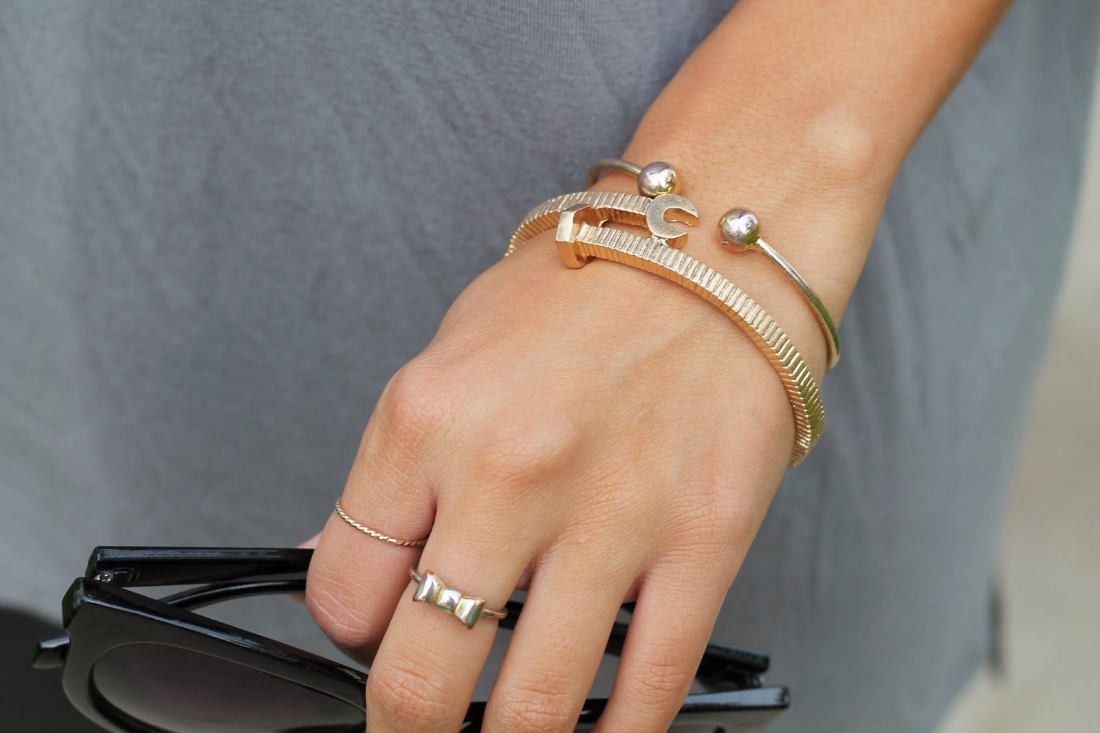 max and chloe bracelet, madewell bow ring, holiday jewelry