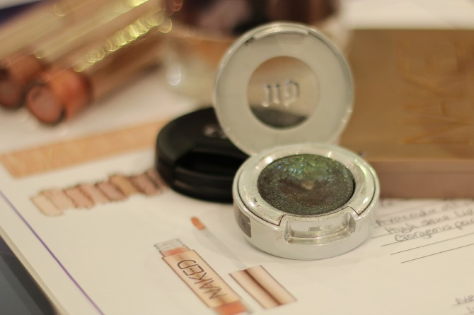 Amazing glitter shadow by urban decay