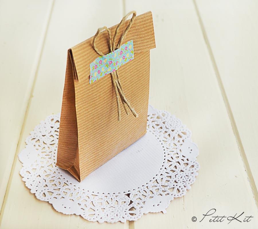 Bolsa papel kraft - Como hacer bolsas de regalo ...