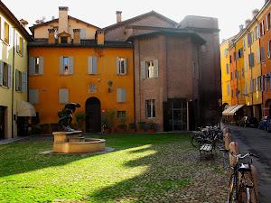 Modena Piazza San Giacomo