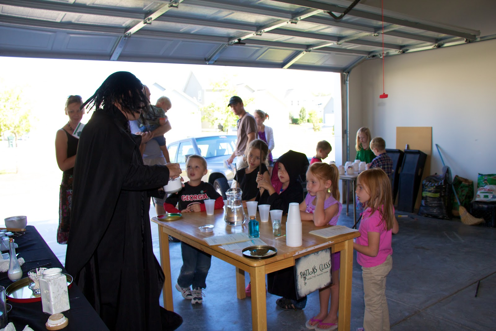 Mrs. Nespy's World: Our Harry Potter Party - Potions Class   1600 x 1067 jpeg 224kB