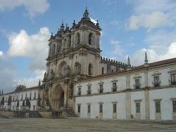 Mosteiro de Alcobaça exposiçao patente ate 20 maio horas de abertura 11h as 13h --14h as 18h30