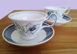 Il maestro Zen e le tazze da tè giapponesi (Buddha)