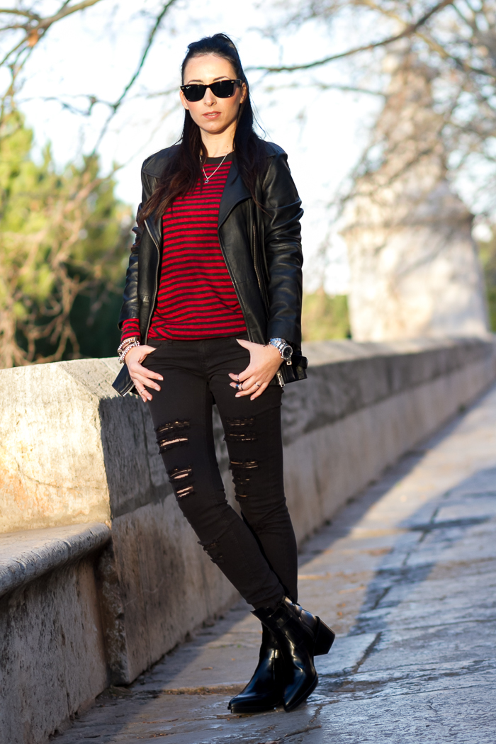 Estilismo Cómodo tendencia casual Rock pantalones jeans rotos negros Ray-Ban Wayfarer Blogger moda valenciana cauce el Rio