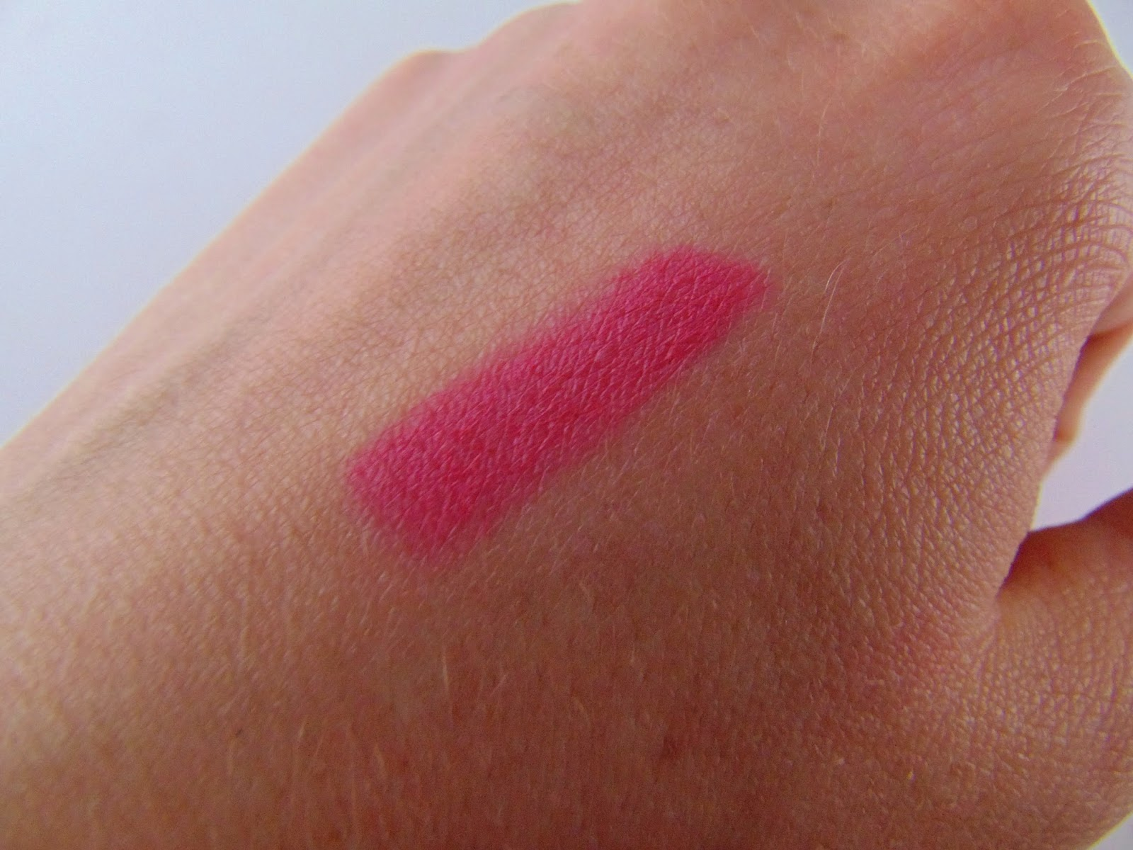 Catrice LE - Rock-O-CO - Matt Lip Colour Swatch- www.annitschkasblog.de