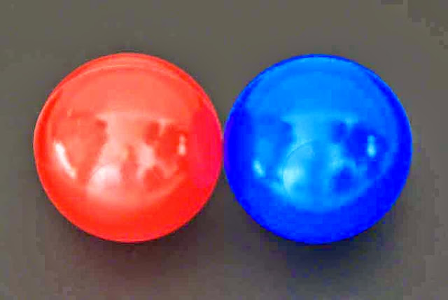 red ball, blue ball