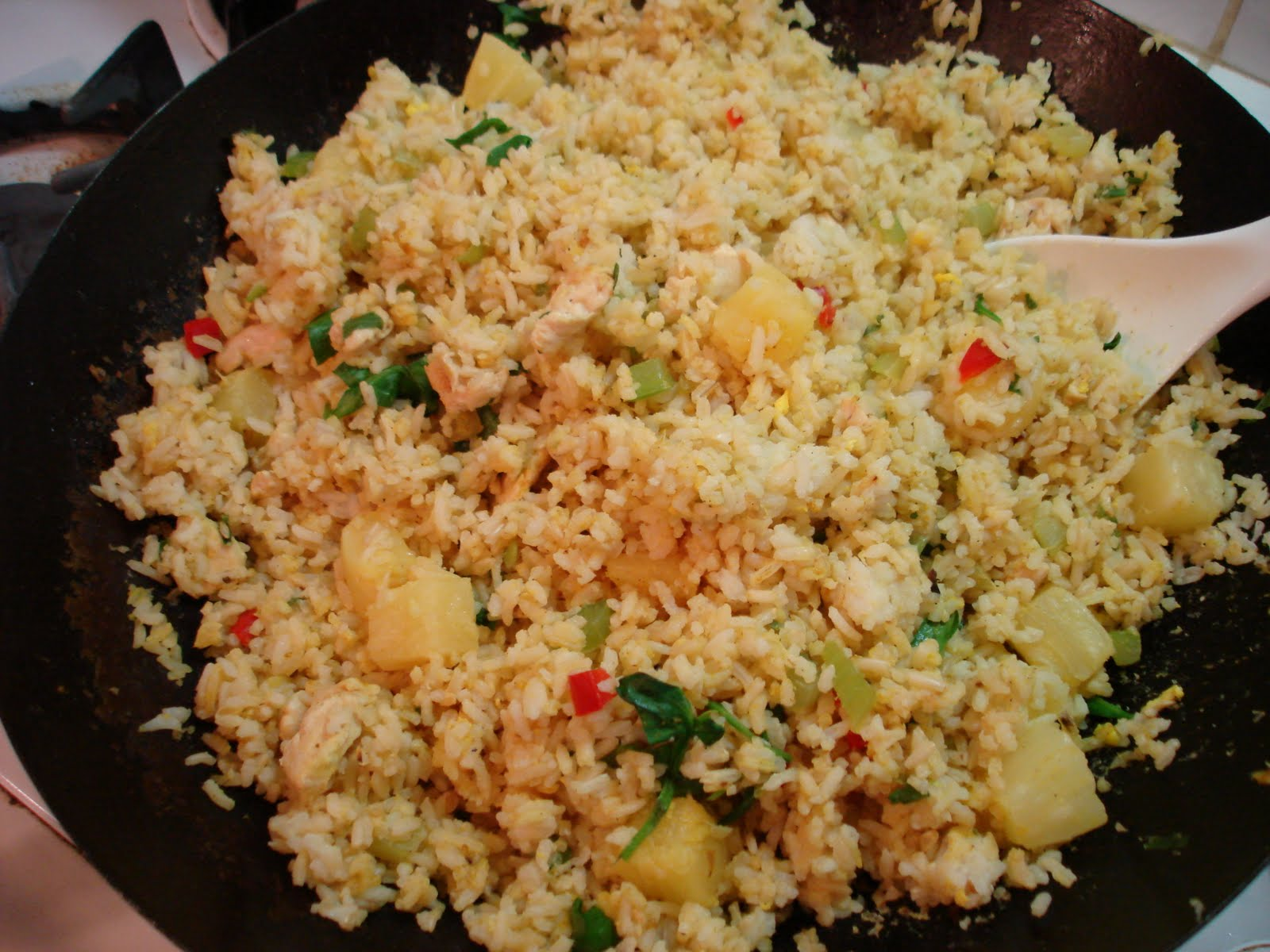 The Ex-Gluten Glutton: Pineapple Fried Rice (Thai Style)