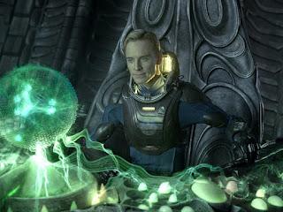 """Michael Fassbender em cena do filme """"Prometheus"""""""
