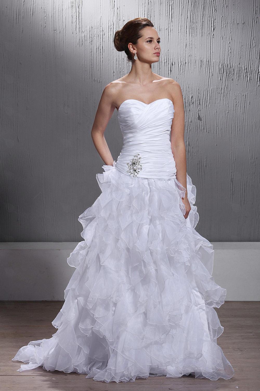 robes de mariage robes de soir e et d coration la robe de mari e princesse. Black Bedroom Furniture Sets. Home Design Ideas